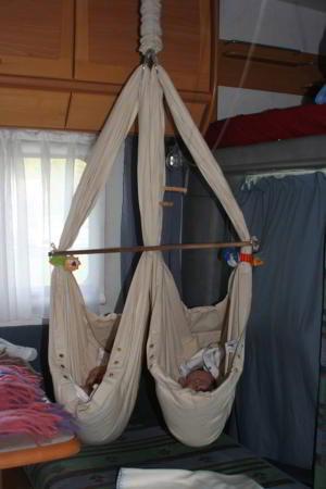 nonomo babywiege auch beim campen eine gute l sung. Black Bedroom Furniture Sets. Home Design Ideas